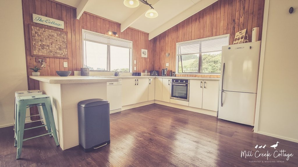 Mill Creek Cottage has a full Kitchen