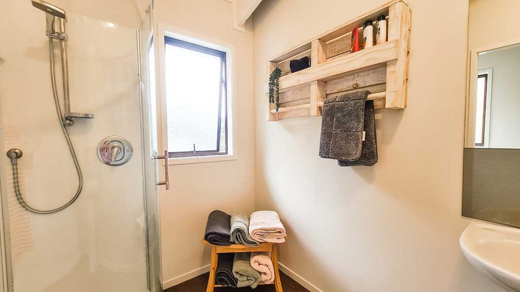 Mill Creek Cottage Bathroom